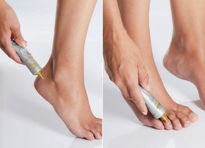Aplicação do Sérum-Óleo de Pés Rapid Repair Feet Up Advanced